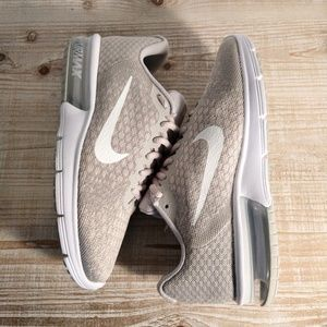 NEW Nike Air Max Sequent 2
